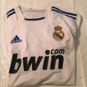 2010/2011 Adidas Real Madrid jersey size M